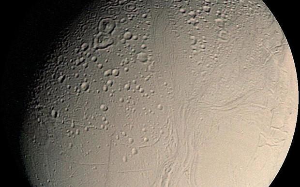 Could alien life exist in huge ocean beneath Saturn's moon Enceladus?