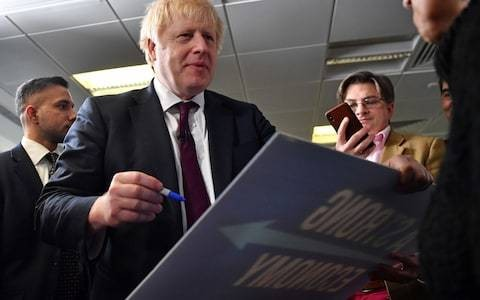 Boris Johnson says he will guarantee fall in net migration under Tories