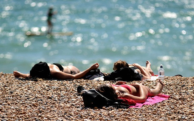 Britain to bask in Indian Summer with temperatures set to rise to 23C