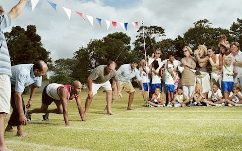 The 6 stages of competitive parenting at school sports day