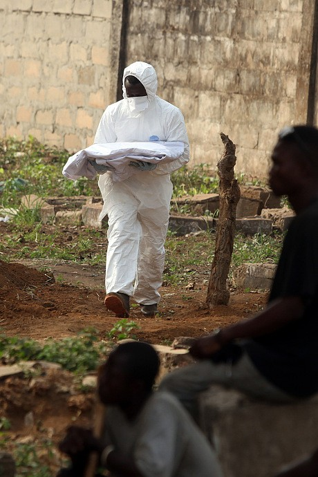 Ebola Ground Zero: Sierra Leone's apocalyptic overflowing cemetery
