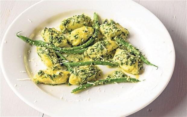 Potato gnocchi with pesto, green beans and ricotta recipe