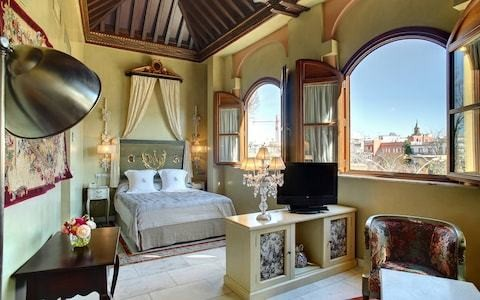 The best romantic hotels in Seville, including fragrant courtyards and bijou plunge pools