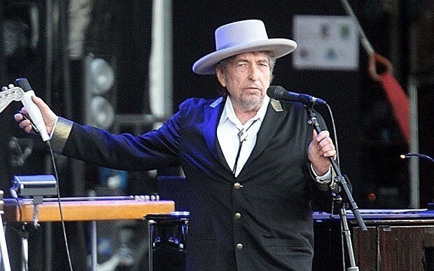 Bob Dylan, Shadows in The Night, review: 'extraordinary'