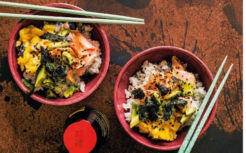Egg and salmon Japanese rice bowl with soy