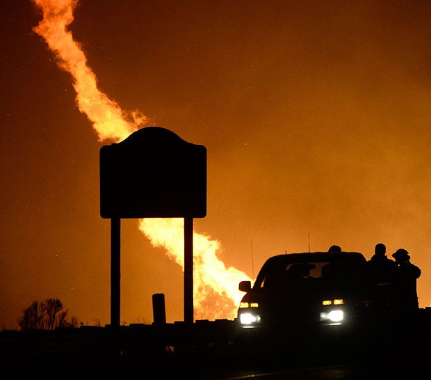 'Fire tornadoes' form in California amid huge wildfires