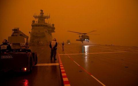 New Zealand sends troops to help fight Australian bushfires as £1 billion pledged to reconstruction efforts