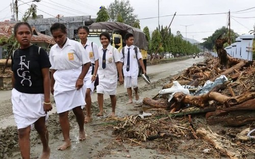 Indonesia flood death toll rises to 89 as dozens still missing