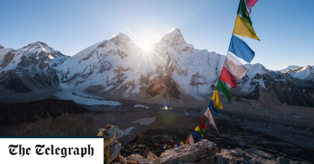'Everest climbing ban is hurting Nepal recovery'