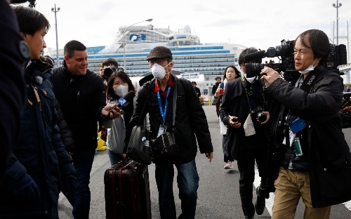 Japan faces mounting criticism over coronavirus cruise crisis