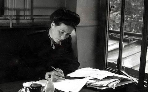 Becoming Beauvoir by Kate Kirkpatrick, review: in search of the real Simone