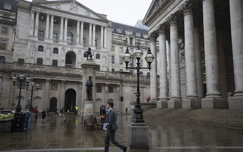 Economy flatlines in second quarter but Bank holds rates steady