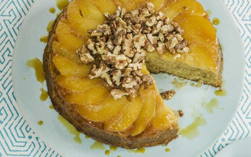 Apple upside-down cake with caramel and spicy walnuts