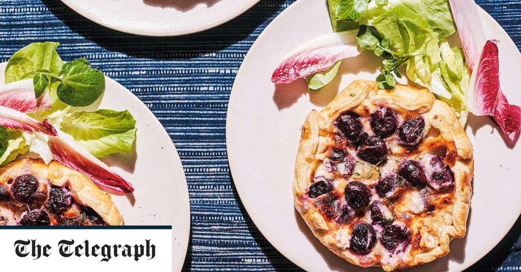 Roast grape, goat's cheese, thyme and honey galettes recipe