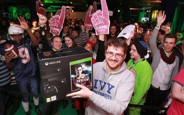 Xbox One: gamers flock to London's West End for midnight launch