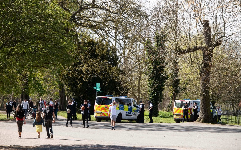 Wardens told to be 'very judicious' and only close parks if social distancing is 'impossible'