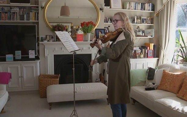 Musician plays violin while undergoing brain surgery in UK medical first