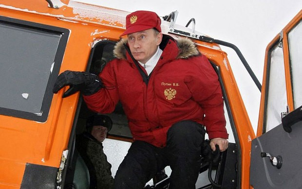 Russia builds massive Arctic military base