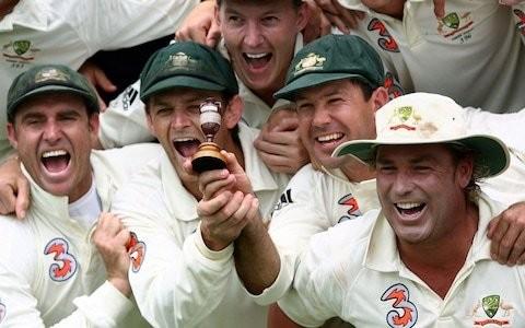 Shane Warne's baggy green Test cap auction raises $1 million for Australian bushfire charities