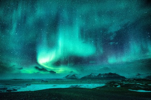 Incredible shot of the Northern Lights wins the Big Picture photography competition