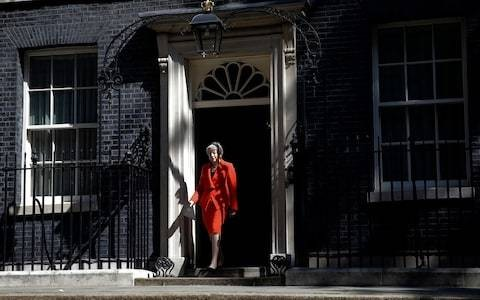 We need a clearout of No 10 to replace advisers harbouring doubts over Brexit