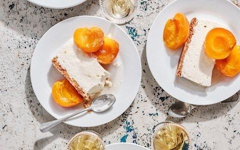 Vanilla, amaretti and apricot parfait recipe
