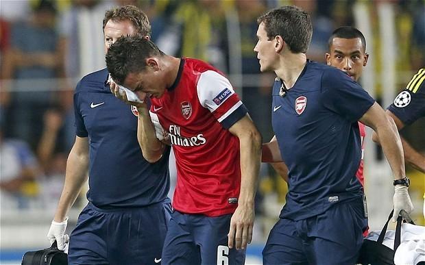 Arsenal defender Laurent Koscielny returns to squad for Fenerbahce clash