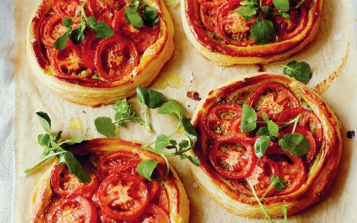 Tomato and pesto tarts recipe
