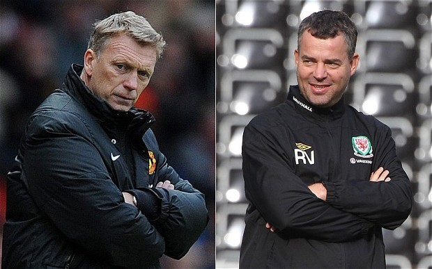 David Moyes gambled with Robin van Persie's fitness and is damaging Manchester United, says Raymond Verheijen