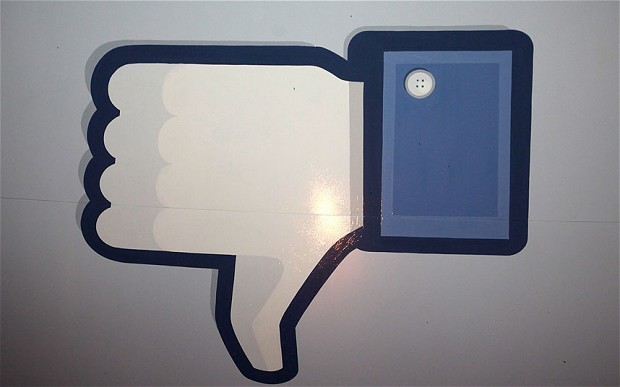Facebook over-sharers alienate real-life friends