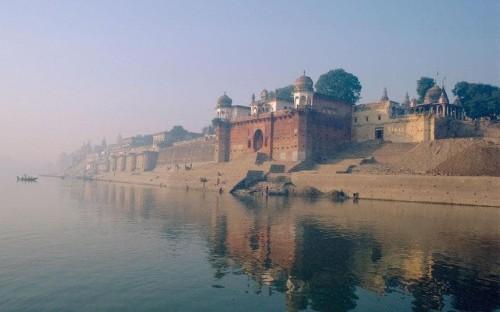 India sets out tourist-friendly agenda