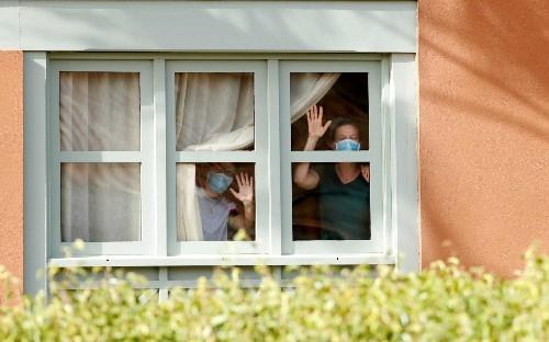 Thursday morning news briefing: Ministers push to halt coronavirus panic