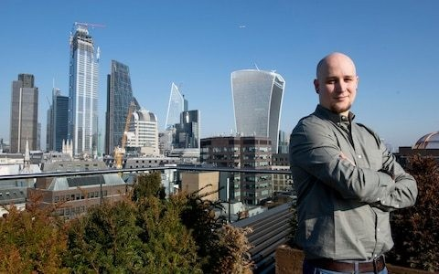 'How I quit my job and ended up earning £100,000 a year investing'