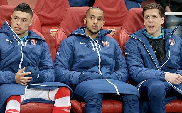 Arsenal news: Theo Walcott finds himself fighting for his Gunners future