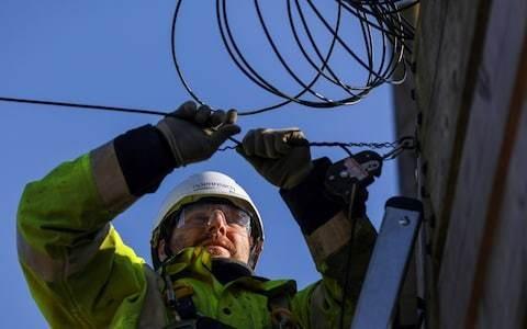 Britain to overtake European rivals in full-fibre broadband race
