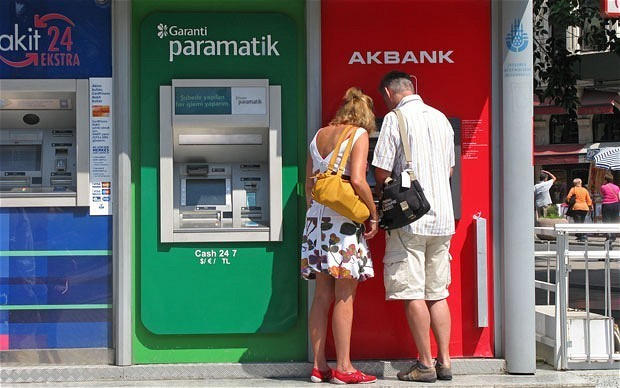 Worst banks for withdrawing cash abroad