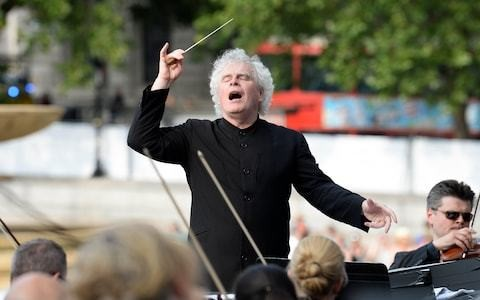 Watch the London Symphony Orchestra live in Trafalgar Square