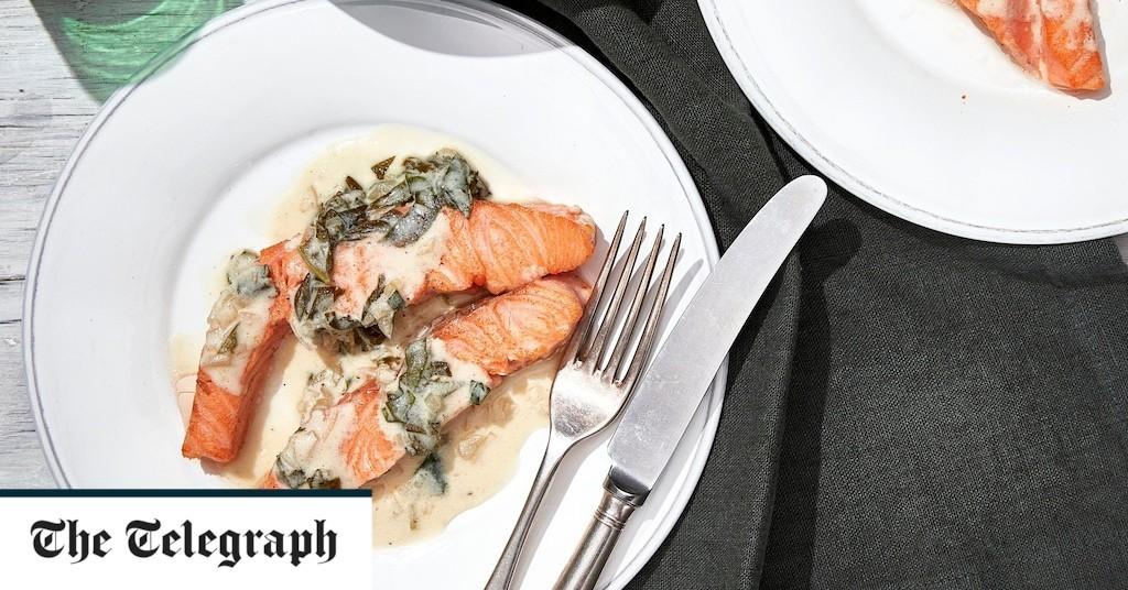 Salmon and sorrel with crème fraîche sauce recipe