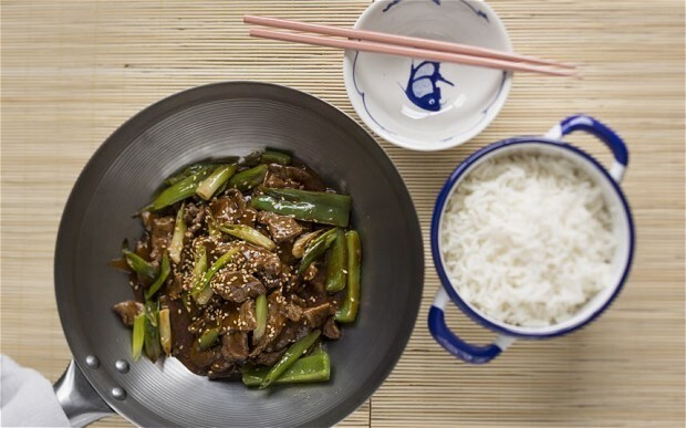 Chinese beef stir-fry with green pepper