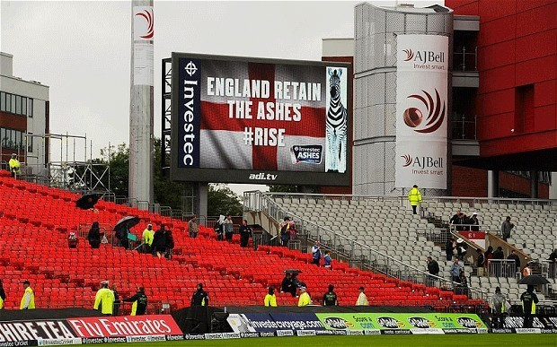 Ashes 2013: England secure draw in third Test to ensure they retain the Ashes