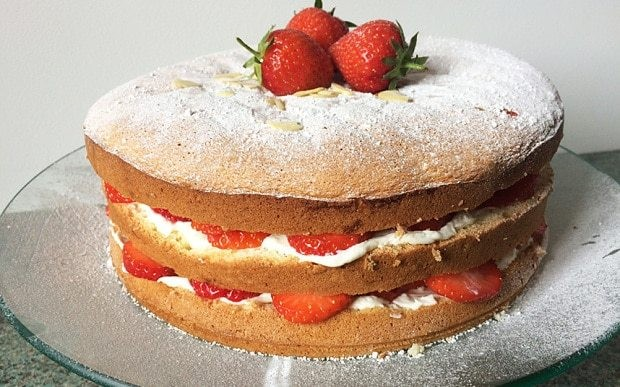 Strawberry and mascarpone Italian sponge