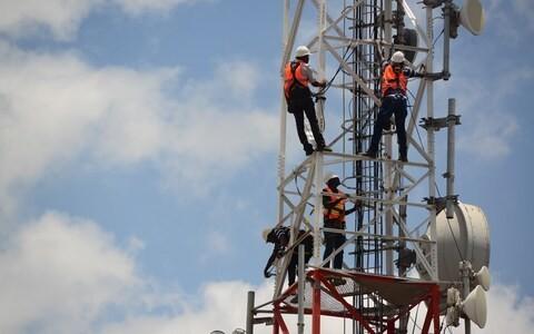 Market report: Phone mast float sends positive signal
