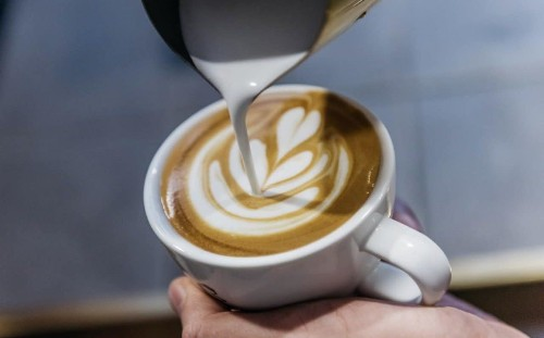 Put milk in hot drinks to protect against gullet cancer, warn experts