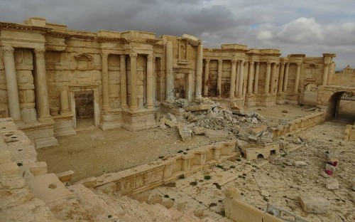 Syrian troops recapture Palmyra from Isil for second time