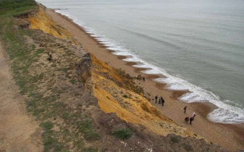 Drought could cause landslides, experts warn as cliffs on verge of collapse