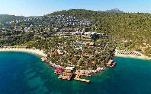 Top 10: the best family-friendly beach hotels