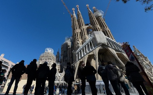 Barcelona plans day trip tax for tourists