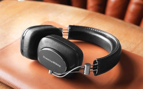 Best Bluetooth headphones to use with your iPhone 7