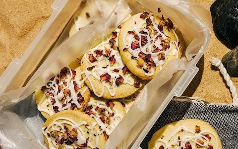Lemon and rose shortbread biscuits recipe