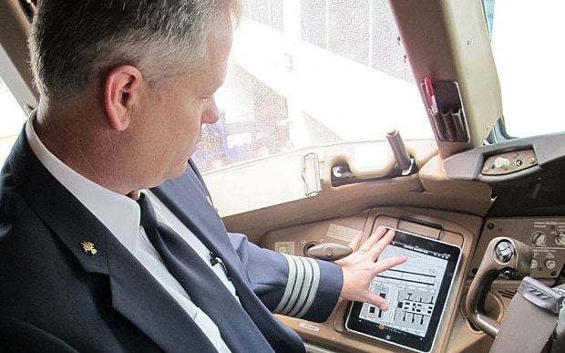 American Airlines forced to ground flights by software glitch in pilots' iPads